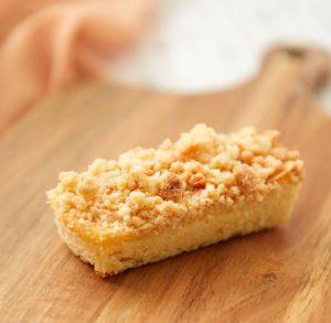 コンビニスイーツ・ローソン ごろごろとしたクランブルのチーズケーキ